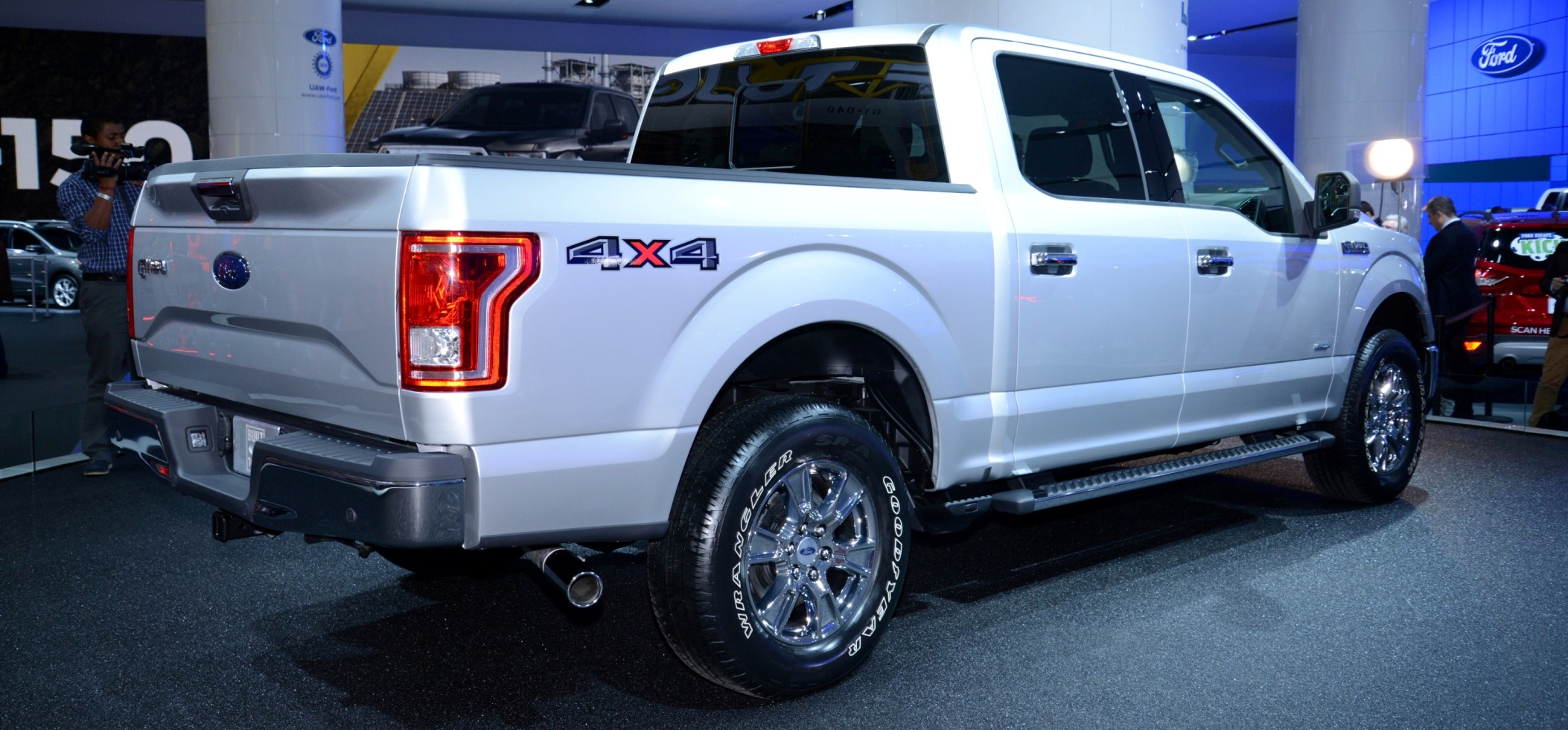 Ford motor company has reached a new deal with alcoa that will expand its aluminum use in the f 150 pickup as well as in other vehicles